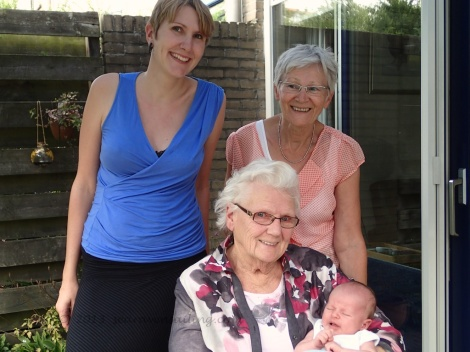 four generations of Frielink ladies